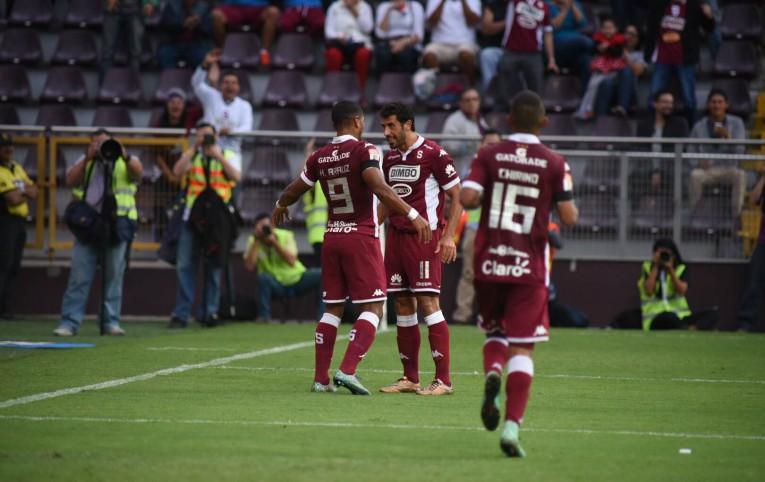 Fabrizio Ronchetti celebra ante San Lorenzo.